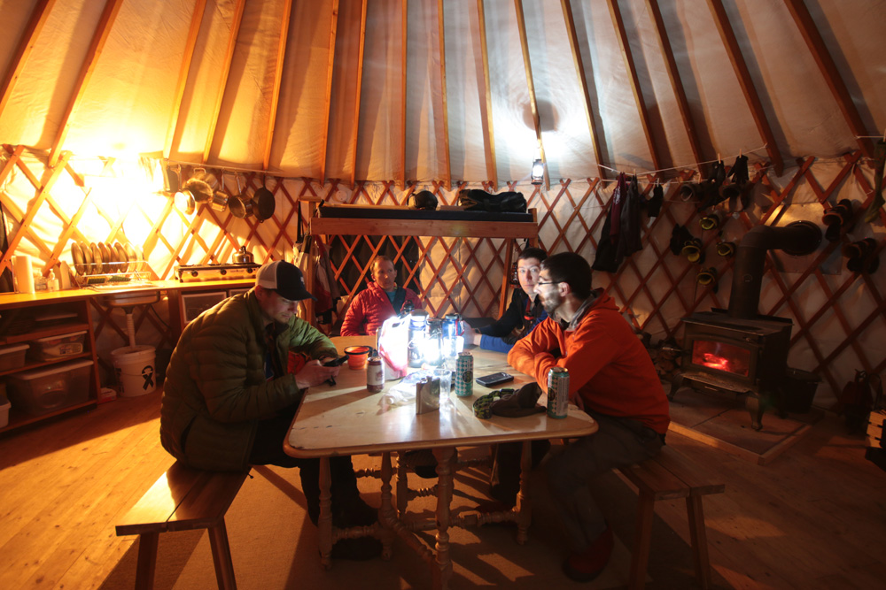geyser-pass-yurt-interior